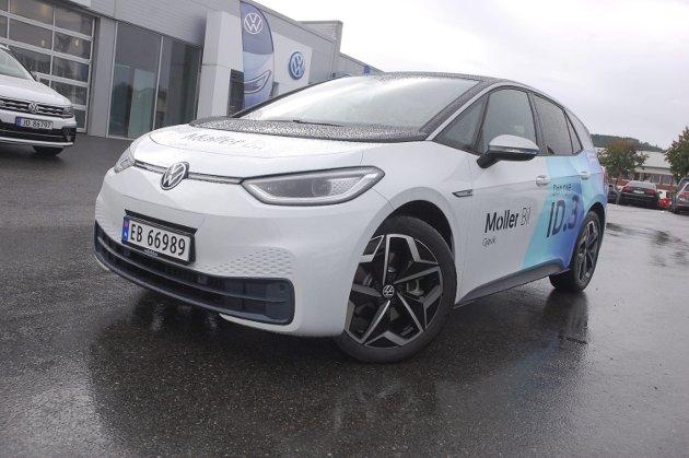 GLATT: Det er særlig i fronten nesten mer «boble» enn Golf over utseendet Volkswagen har gitt sin «fremtidsbil», elektriske ID.3.FOTO: ØYVIN SØRAA