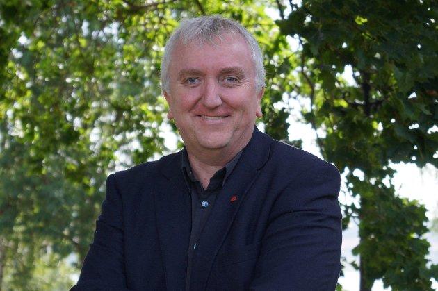 SVEKKES: - Høyre-regjeringen svekket arbeidsmiljøloven, ikke EØS. Høyre-regjeringen og støttepartiet Frp er arbeidsfolks største politiske trussel, skriver Bjørn Jarle Røberg-Larsen (Ap).