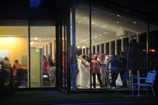 SUNDVOLLEN HOTELL 22. JULI: Ungdommer som var på Utøya ble fraktet i busser til Sundvollen Hotell som ble et samlingsted for pårørende gjennom hele helgen.