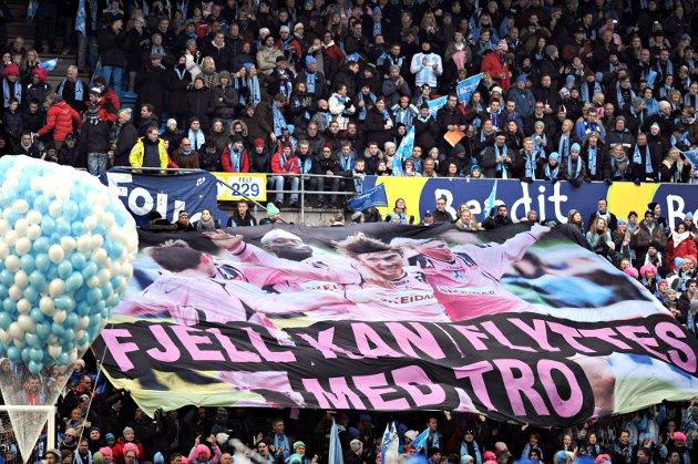 2010: Den ene kortsiden var smekkfull av Follo-supportere under cupfinalen mot Strømsgodset i 2010. Åtte av spillerne som startet for Follo var lokale fotballgutter. Nå må man starte på nytt, og man bør starte med å strekke ut hånden til breddeklubbene.