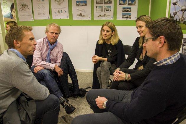 Den gode samtalen: Samtale i gruppe om byen vår fra Torsdagstanken på ByLab. foto: kjersti bache