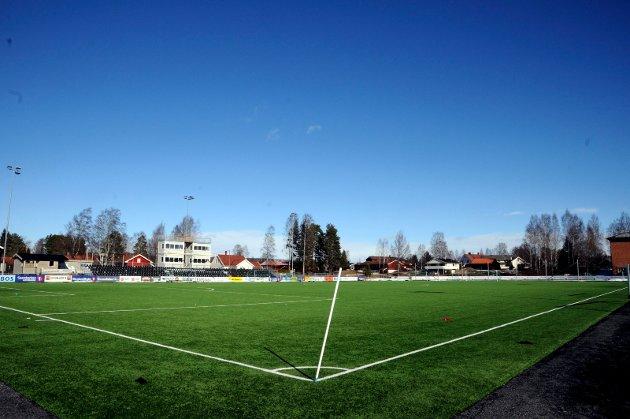 TOMT: Det blir ikke seniorfotball på Elverum stadion denne sesongen.