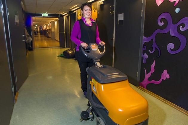 Allikevel finansierer Høyre & co sine påplussinger på budsjettet med KF-bygg og outsourcing, spesielt på renhold, skriver Inge Myrvoll i dette innlegget.