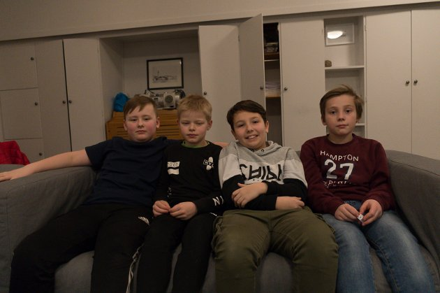 Kompisgjengen f.v. Nikolai Holm Vonstad, Erling Johan Sakrihei Haugsdal, Julian Glomdal Ellingsen og Leo Grønbech Bjerkadal synes det er morsomt med Tweenfestival, for da får de møte nye venner.