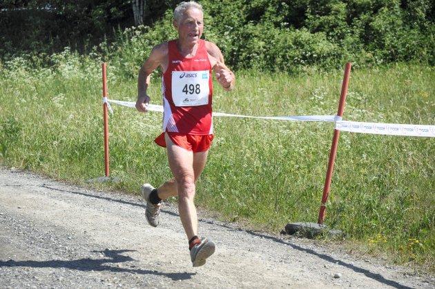PRØV SJØL: Bjørn Tvedt løp 21 km på to timer blank og vant M80.