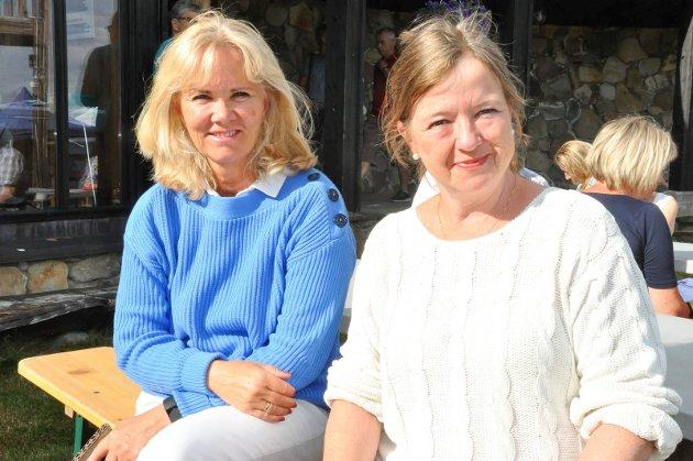 FRA OSLO: Siv Carlsson (64) og Tone Winje (62) fra Nesodden i Oslo trives på Sjusjøen. - Det er så åpent og flott terreng her, fortalte Winje som besøkte Sjusjøen for første gang.