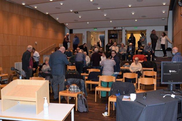 Bestemte: Medlemsmøtet i Arbeiderpartiet samlet seg til diskusjon om skolestruktur i Nordre Ringsaker denne uka.