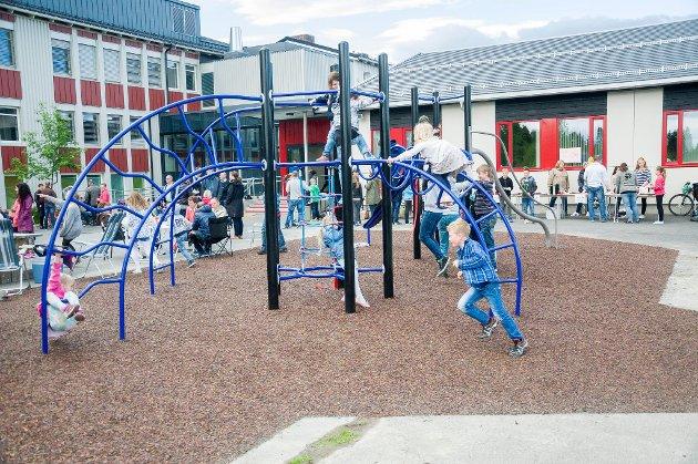 – Jevnaker har full pedagogdekning, gode barnehager og mange fantastisk dedikerte medarbeidere, skriver Morten Lafton (Ap).
