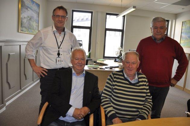 Hønefoss sparebank sørget for at kronerullingen kom i mål. På bildet: Per Arne Hansen, Roar Olsen, Erik Haraldseth og Frode Sjursen.