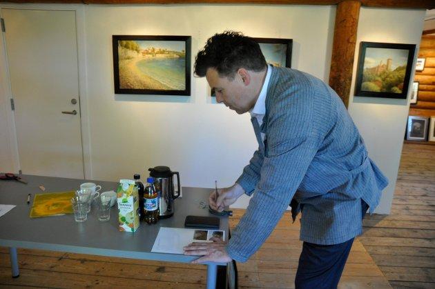 Samme sted: Thomas har stått på samme sted som Munch og Skredsvig og laget sin egen vri på bilder fra Frankrike.