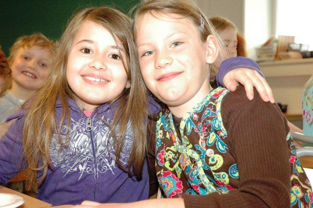 2010: Påskelunsj: Maria og Mari er gode venninner.