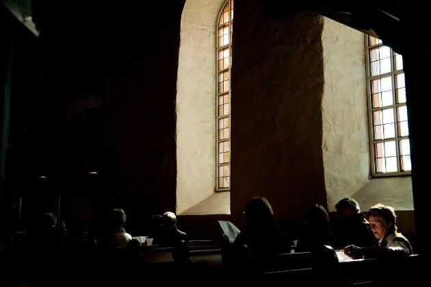 At presten velger å droppe synd og helvete forandrer ikke det faktum at skolegudstjenester er forkynnelse. Forkynnelse hører ikke hjemme i en fellesskole skriver innsenderen.