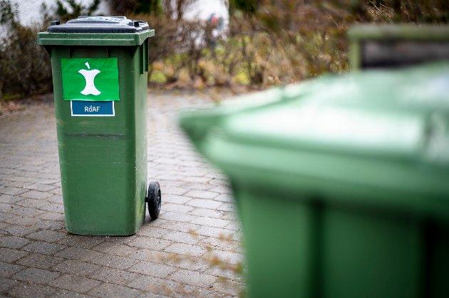 Ny søppelbøtte.