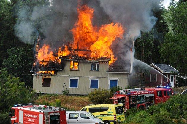 Brann i Hvitsteinveien i Kodal.