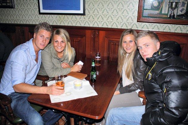 På James Clark: Kistian Odberg (f.v.), Malin Wiik, Kimmi Hvarnes og Charlotte Eide, unge med riktignok ikke stusselige.