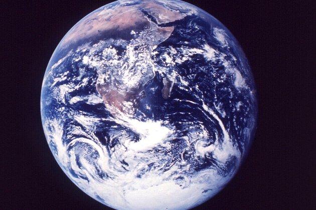 Jordkloden tåler trolig mer utslipp av CO2 enn tidligere antatt. Det viser en ny klimastudie.