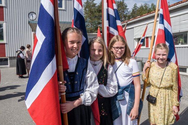 7. KLASSINGER:  Michelle Persson Olsen (t.v.), Malin Angelica Herstad, Ane Sydengen og Ine Stillesby