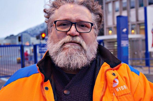 Lokalsamfunna rundt virksomhetene til Hydro i Sunndal, Høyanger, Årdal, på Husnes og Karmøy er bygget rundt industrivirksomheter som selger nesten all sin produksjon til internasjonale markeder. Det kan vi fortsette med i nye hundre år, men da må vi forstå hva som må til, skriver Arve Baade, leder i Sunndal Kjemiske Fagforening, sammen med flere andre fagforeningsledere.