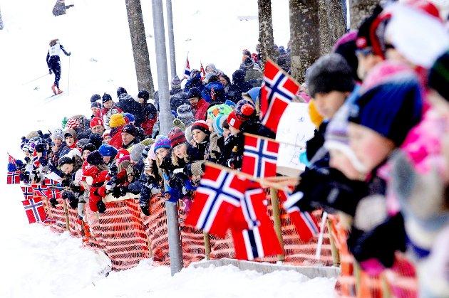 Masse publikum langs løypa hver dag i Storås.