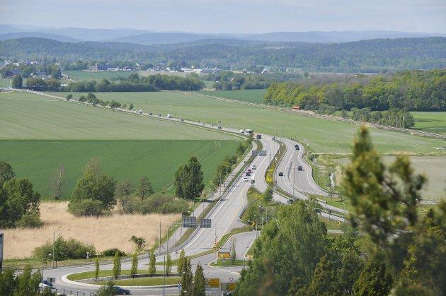 Jarlsbergalternativet: Skal det bli noe av, må det bygges både ny tunnel og ny stasjon. Foto: Harald Strømnæs