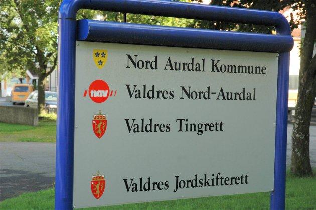 Finnes ikke lenger: Valdres tingrett og Valdres Jordskifterett.