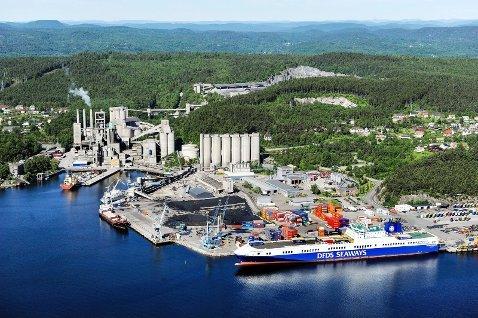 EGNET BELIGGENHET: Noah har pekt ut Norcem i Brevik som det beste alternativet for nytt avfallsdeponi etter Langøya utenfor Holmestrand.