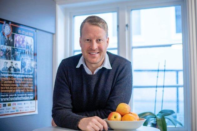 SVARER: Mattias Mellquist er daglig leder og ansvarlig redaktør i Akershus Amtstidende.