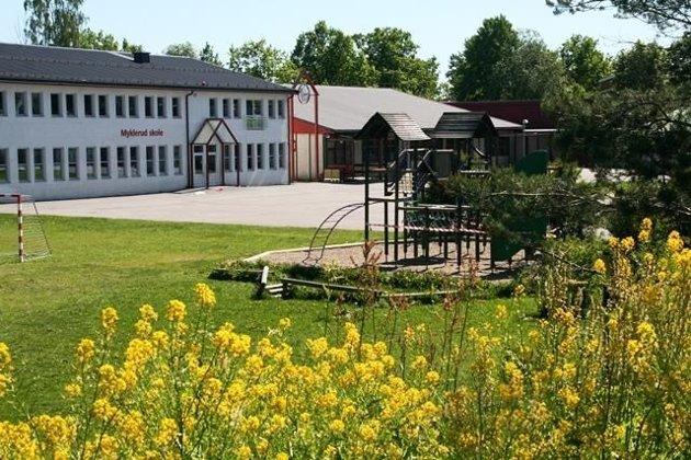 Høyre, Rødt, Sp, FrP og KrF vil sette av midler til ny barneskole på Fagerstrand nå - ikke i 2028.