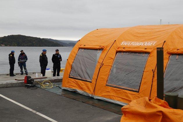 Sivilforsvaret med støttefunksjoner hadde rigget seg til ved Sjøtorget i Drøbak onsdag. Da hadde de en større øvelse.