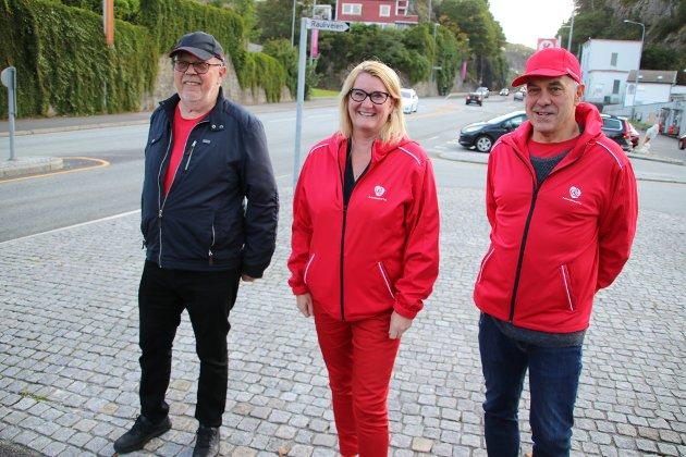 Fylkesordfører-kandidat Gro Bråten (Ap) besøkte i morges Sunde-krysset sammen med ordførerkandidat Svein Hobbesland (Ap) og trygg-trafikk-forkjemper Hans Gregers Aarenes i samme parti.