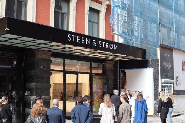 Mange ville ha med seg åpningen av nye Steen & Strøm.