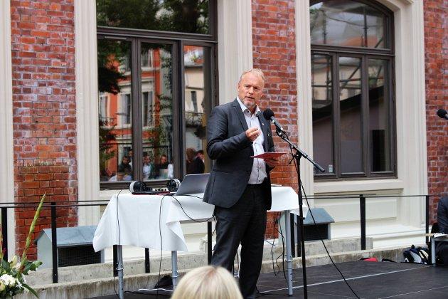 Byrådsleder Raymond Johansen talte til forsamlingen.