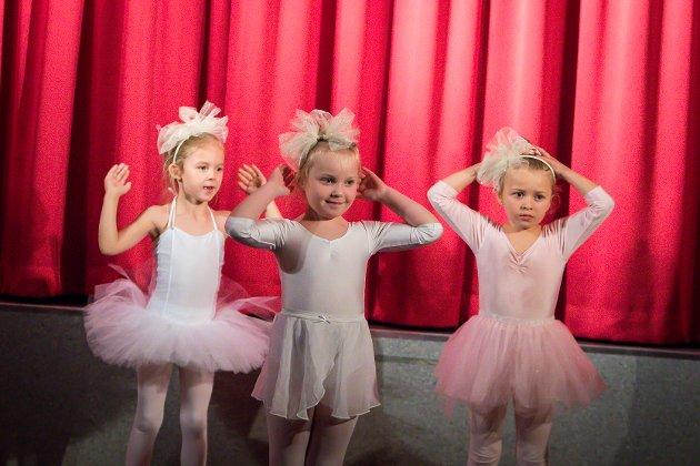 Meland kulturskule fyller 25 år. Ballett