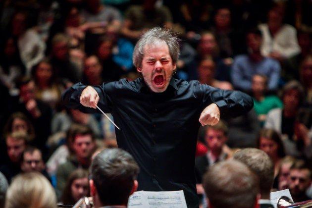 Det er lite å seia på engasjementet til dirigent Ingar Bergby.