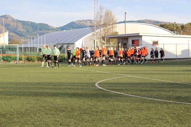 ENK-damene slo Åsane 2 2-0 på Knarvik kunstgras.