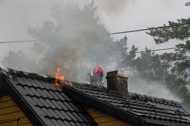 Hyttebrann i Litlevågsbrotet, Eikangervåg.
