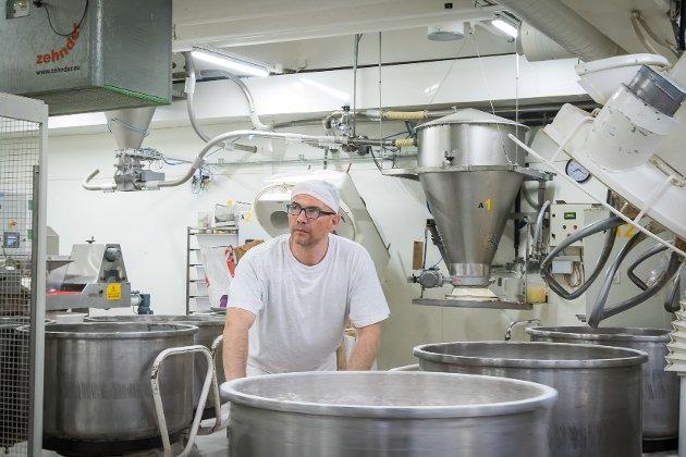 No er det full drift på Goman Lindås igjen etter skandalane som råka bakeriet hausten 2018.