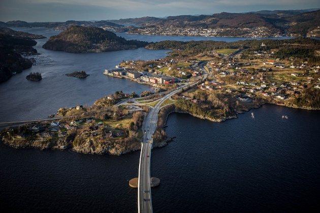 Eigedomsskatt kan vera løysinga på Alver kommune sine økonomiske utfordringar, meiner innleggsforfattarane.