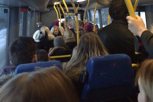 Illustrasjonsfoto: Bussen og personenen har ingenting med leserinnlegget å gjøre.