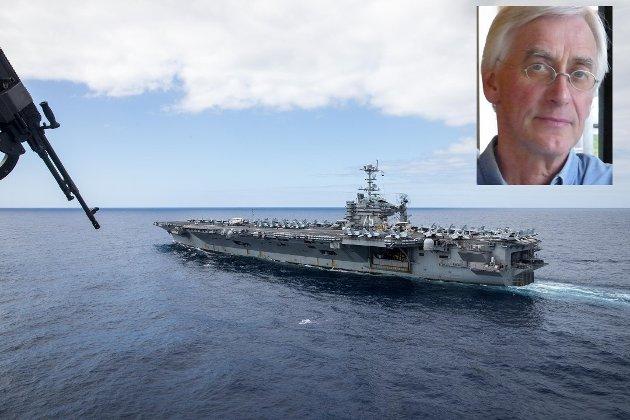 """Det enorme hangarskipet USS  """"Harry S. Truman"""" på plass i Vestfjorden."""