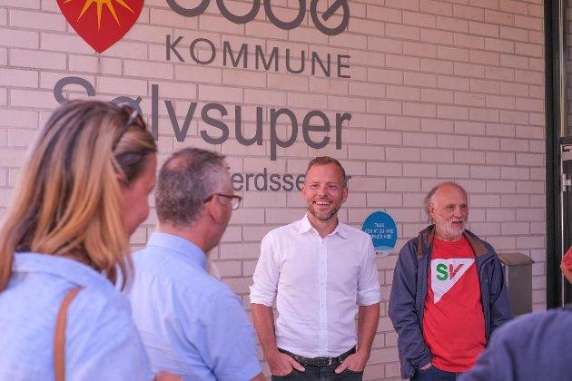 Tidligere i august besøkte Audun Lysbakken og lokale representanter Sølvsuper for å lære mer om heltidsprosjektet i Bodø.