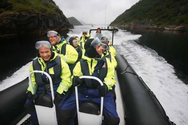 Stella Polaris er en av turoperatørene som tar Hurtigrute-turistene med på utflukt med rib-båt i Saltens skjærgård.