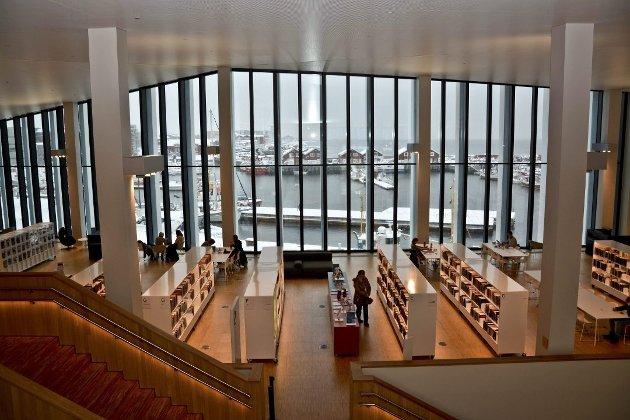 NBF Nord mener at bibliotekene kan bidra til å motvirke ensomhet og bedre psykisk helse. Her Stormen bibliotek i Bodø.