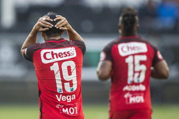 Branns Deyver Vega og Bismar Acosta fortviler etter et Brann-tap.