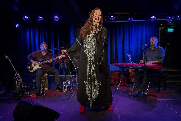 """Tine Taule hadde premiere på """"En sangerinnes bekjennelser"""" Lille Ole Bull torsdag kveld."""