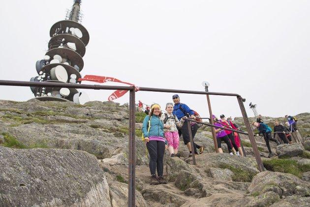 I dagens spalte skryter Trond Tystad av alle som har gjort en innsats for turområdene våre. Bilde fra siste stykke mot Ulrikens topp, som i fremtiden også skal få trapp.