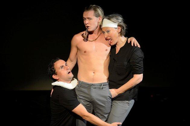 Tormod Løvold (fra venstre), Kristian Berg Jåtten og Kjersti Elvik tar deg med på en vill ferd gjennom Ibsens forfatterskap.
