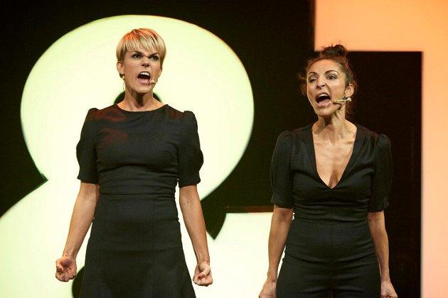Det kan ikke bli annet en fullstendig galskap og knall når Sigrid Bonde Tusvik og Lisa Tønne braker sammen på scenen.