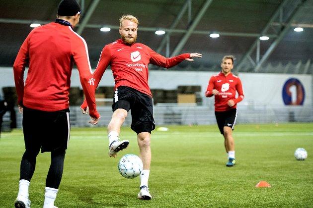 Henrik Kjelsrud Johansen har kvaliteter som gjør at Lars Arne Nilsen kan viderutvikle spillestilen sin i Brann. (Foto: Skjalg Ekeland)