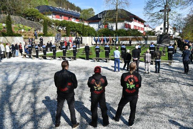 Tre veteraner fra Vietnam vets Legacy vets MC deltok på minnemarkeringen på Solheim æreskirkegård.